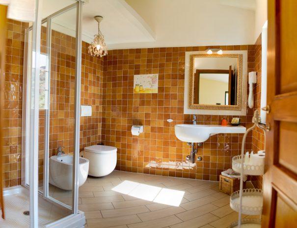 bagno camera miele